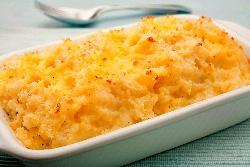 Печени намачкани картофи на фурна със сирене, заквасена сметана, пресен зелен лук и копър - снимка на рецептата